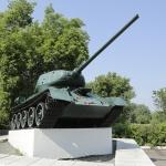 Памятник танку Т-34-85. Бульвар Победы.