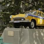 Памятник патрульному автомобилю. Расположен на улице Красных зорь 103-а.