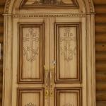Храмовые двери.