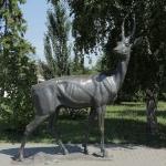 """Скульптура """"Олень"""". Расположена на Соборной площади. Скульптура выполнена в натуральную величину."""