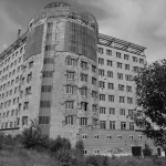 Это здание своим видом украшает город уже лет пять если не больше...
